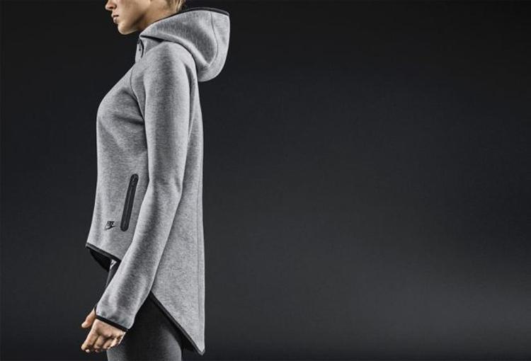 apparel spotlight nike tech fleece cape the gym rat review. Black Bedroom Furniture Sets. Home Design Ideas